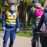 Biciklizés közben akár 10-15 méterre is eljuthat a koronavírus