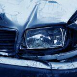 Szalagkorlátnak hajtott egy autó az M1-esen