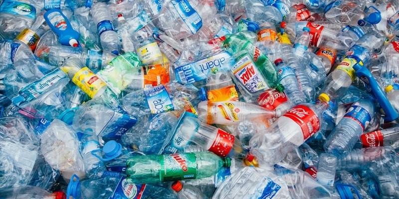 Megjelent a törvény az egyszer használatos műanyagok betiltásáról
