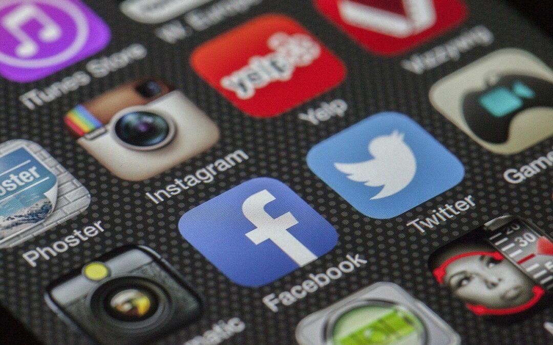 Csökken a hagyományos média fogyasztóinak aránya az internethez képest