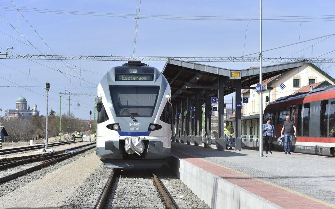 MÁV: közel 20 helyszínen új típusú utasbeállót épít ki a vasúttársaság