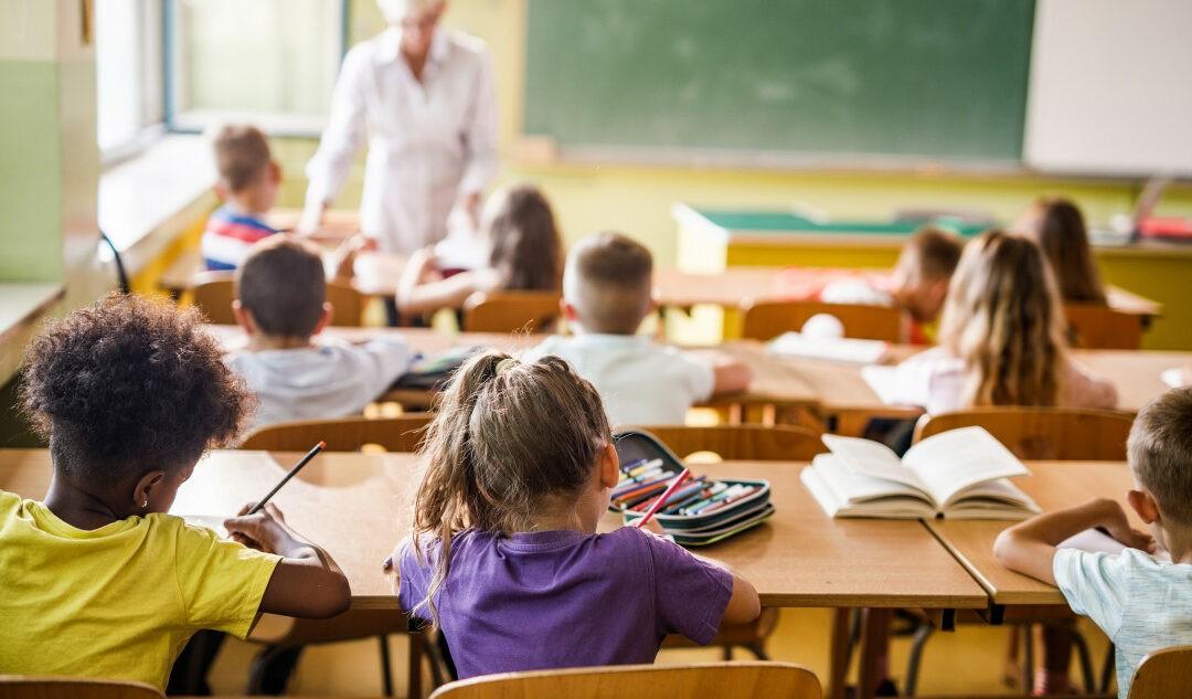 Nyitva maradnak az általános iskolák és óvodák