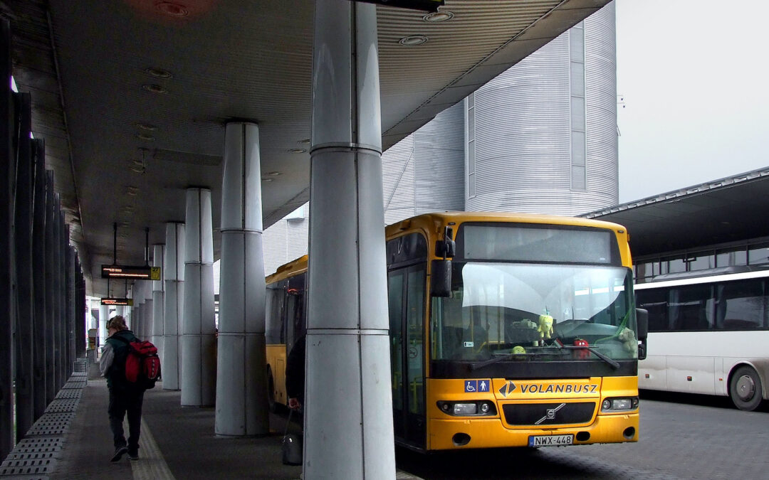 A maszk nélküli utasok miatt 100 ezer forintra büntethetik a Volánbusz sofőrjeit