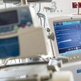 Minden intenzív terápiás szakvizsgával rendelkező ember ért a lélegeztetőgépekhez