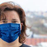Koronavírus - Szakértő: sokan még mindig rosszul viselik a maszkot