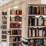 Könyvcsomag összeállítás a könyvtárban