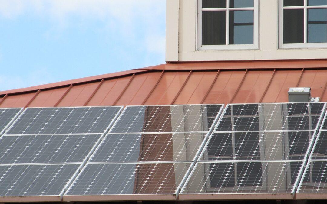 ITM: az önerős napelemes beruházásoknál 2023 végéig marad a szaldó elszámolás