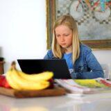 Elszabadult a járvány, sorra zárják be Magyarországon az iskolákat