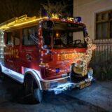 A pecataviakat is meglepték ünnepi tűzoltóautójukkal a helyi önkéntesek
