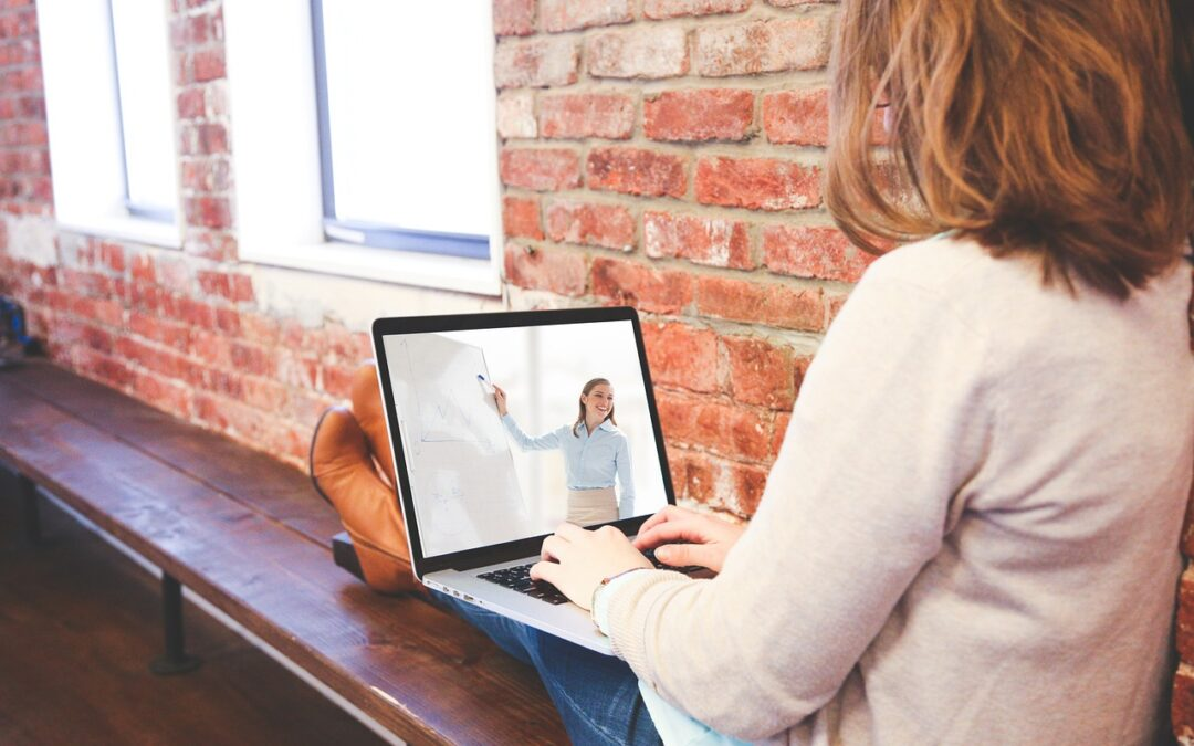 Online előadássorozatokat indít a Rákóczi Szövetség pedagógusoknak és középiskolásoknak