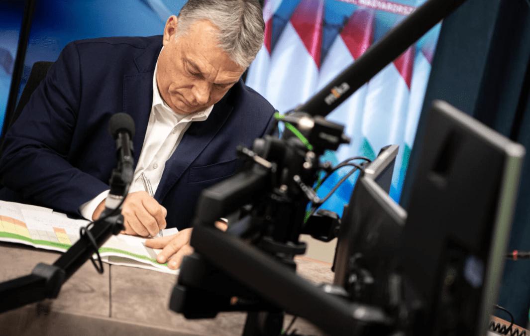 Orbán: veszélyes pillanatban vagyunk