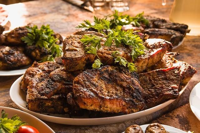 Kapcsolat van a rendszeres húsfogyasztás és betegségek hosszú sora között