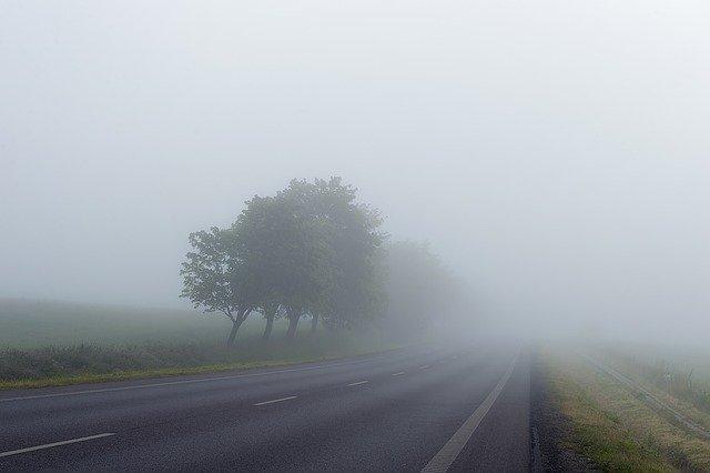 Biatorbágyon is sűrű ködre adtak ki  figyelmeztetést
