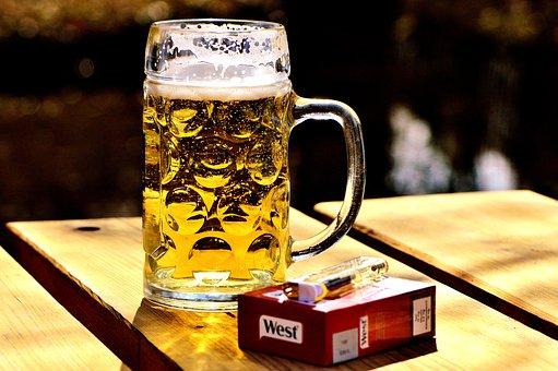 9,9 %-kal drágult a cigaretta és az alkohol a tavalyi évhez képest
