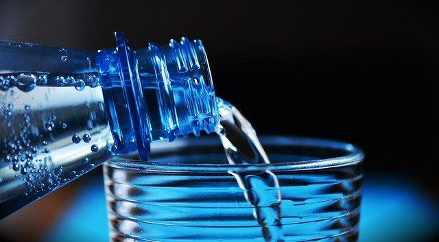 Ma van a víz világnapja- ásványvíz vagy a csapvíz a jobb?
