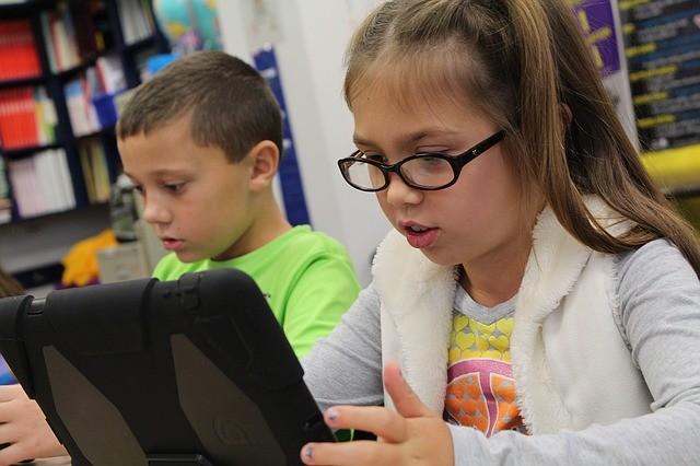 Ingyen internet minden iskolásnak