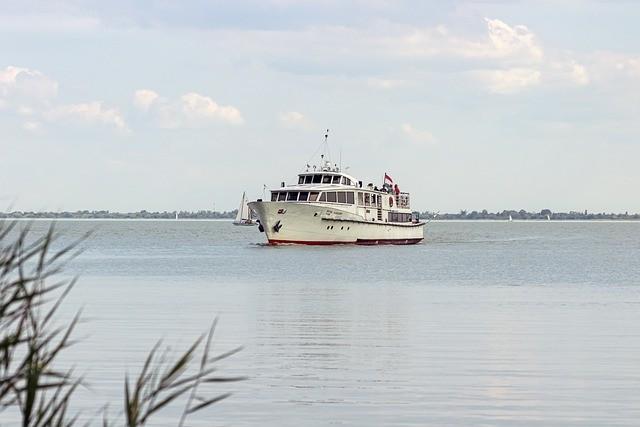 A tervek szerint elindulnak a Balatonon a menetrendi hajók húsvétkor