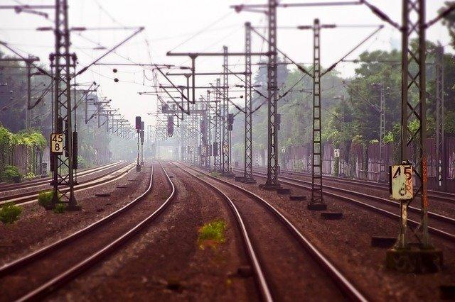 Műszaki hiba miatt 60-100 percet is késnek a vonatok a hegyeshalmi fővonalon