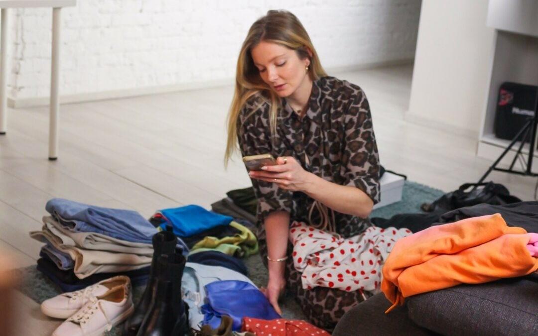 A feleslegessé vált ruhák közösségi oldala – Most egy szupermodell ruháira licitálhatsz!