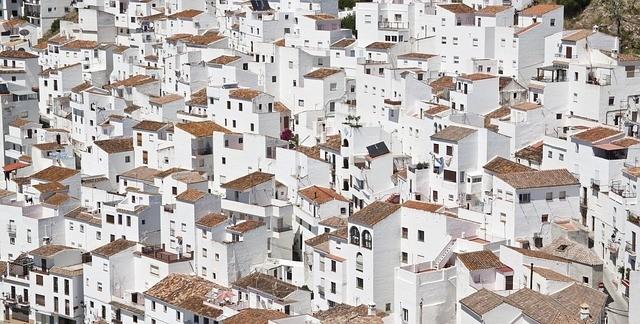 Az eddigi legfehérebb festék segítheti az épületek és a bolygó hűtését