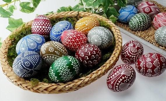 Több száz hímes tojás érkezett a pécsi Zsolnay Örökségkezelő kiállítására