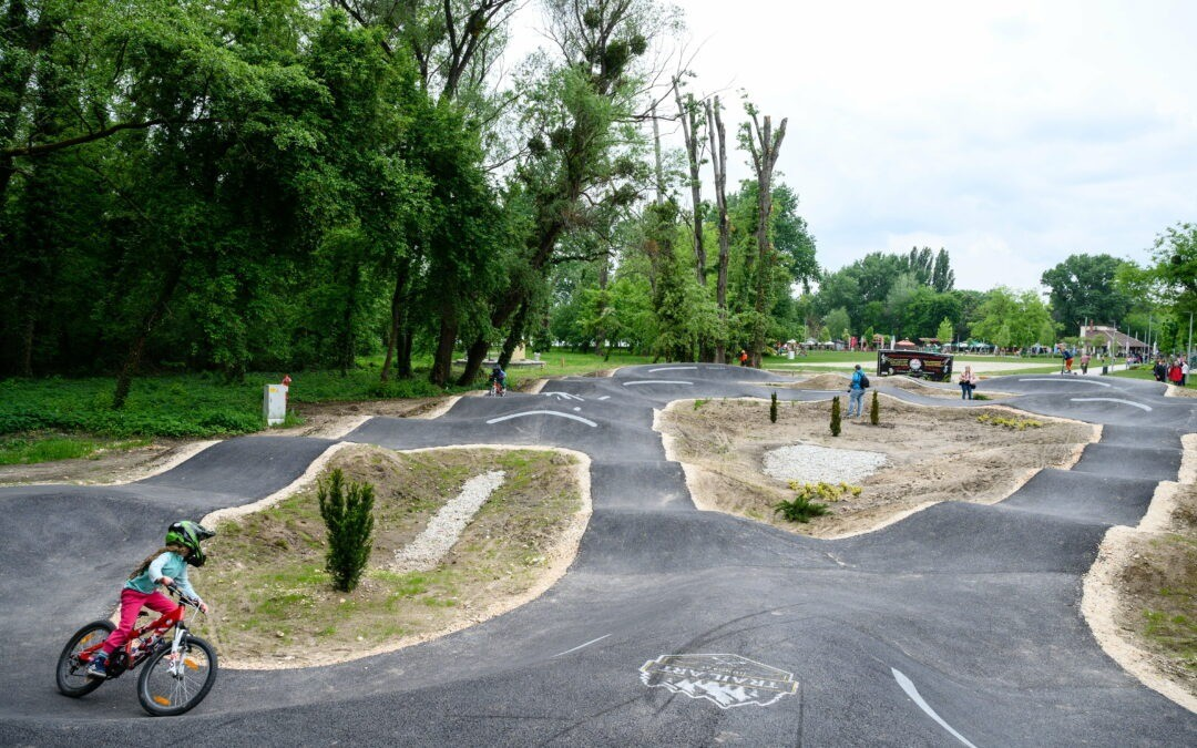 Biatorbágytól fél órára található Magyarország legnagyobb kerékpáros pumptrack pályája