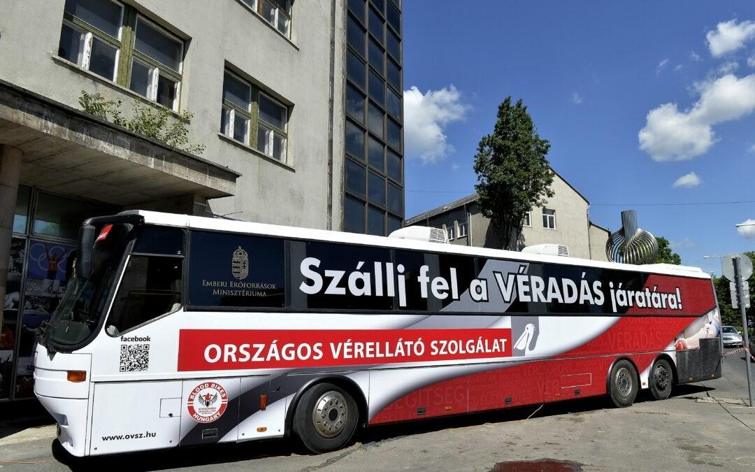 Véradóbuszt kapott az Országos Vérellátó Szolgálat