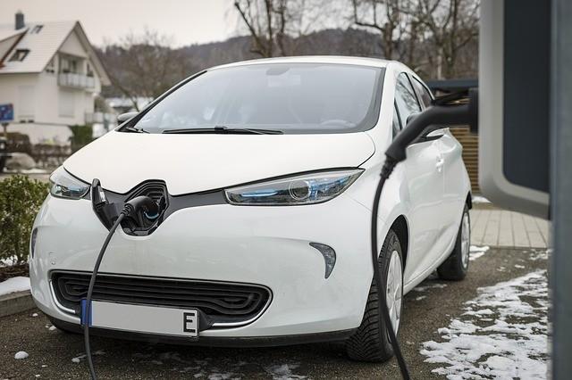 ITM: ismét igényelhető lesz támogatás elektromos autók vásárlására