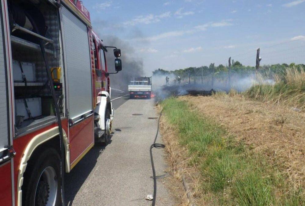 Kiégett egy kisteherautó az M7-es autópályán