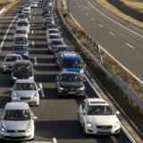 Kigyulladt egy autó az M1-esen a Biatorbágy és Budaörs közötti szakaszon