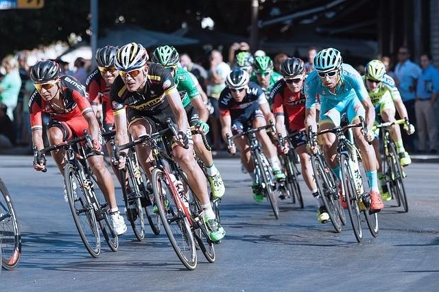 Kerékpáros felvonulás miatt lezárások lesznek szombat délután a fővárosban