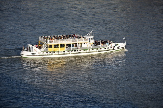 Lánchíd felújítás: mától hajóval lehet átkelni a Dunán