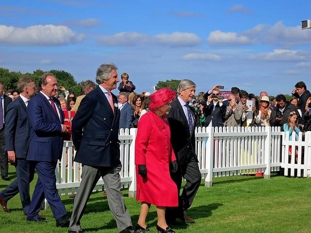 Négynapos parádéval köszöntik jövőre a brit királynőt